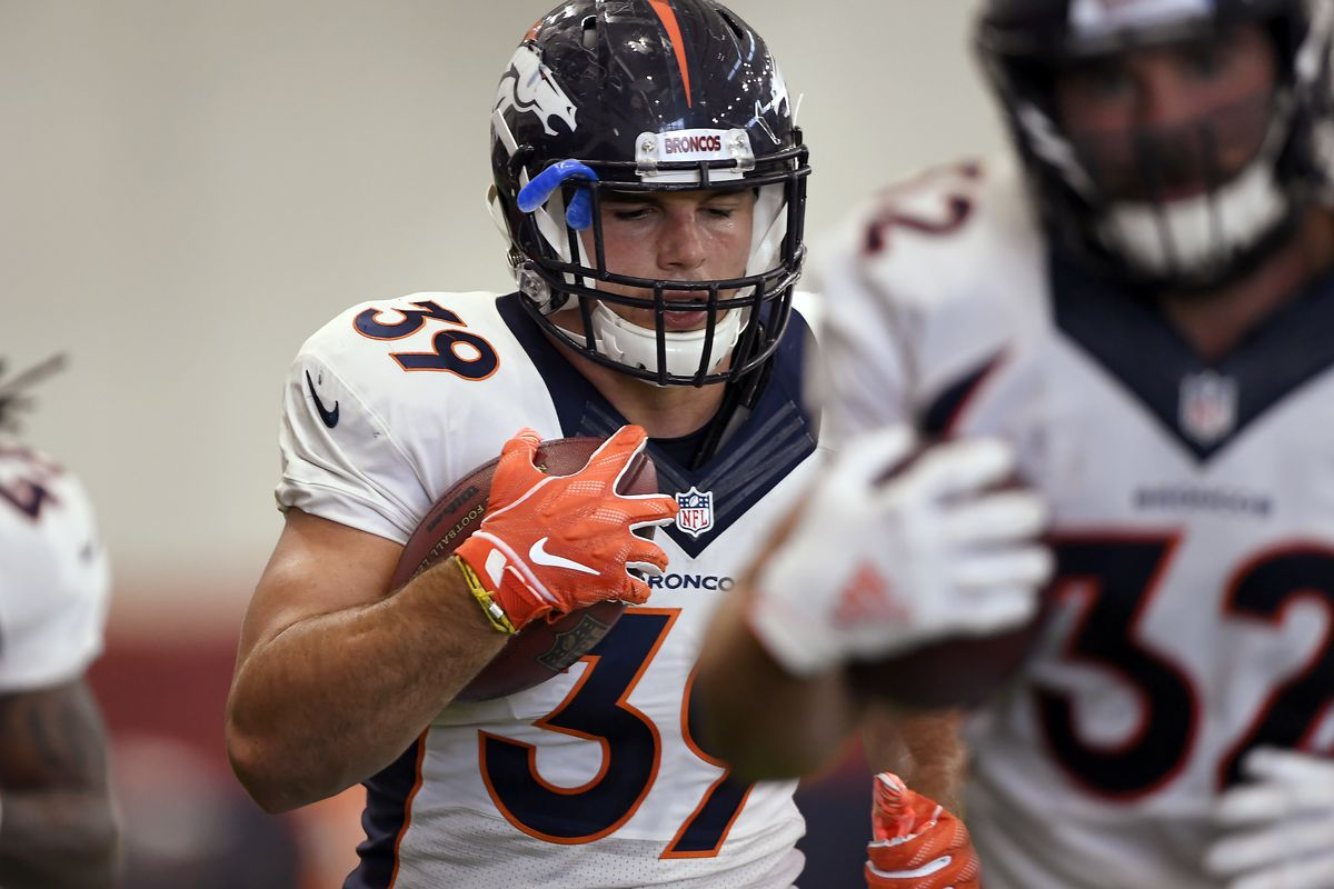74f1de63 Injuries at key positions put a strain on Broncos' offense, defense ...