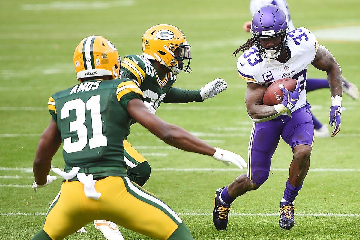 Minnesota Vikings v Green Bay Packers