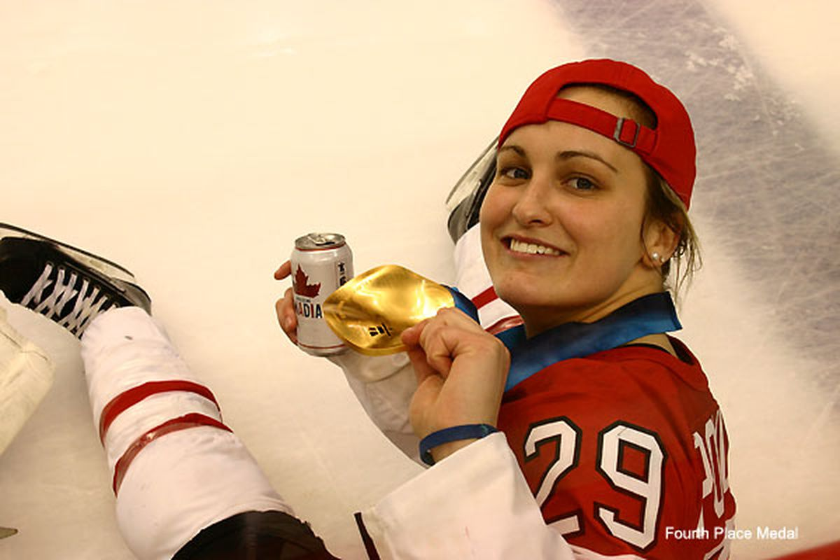 This is every male hockey player's dream woman.