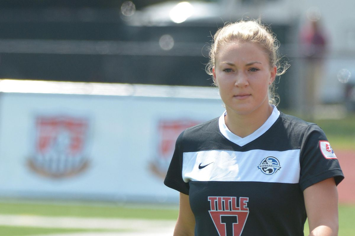 Jones will re-join a familiar Breakers roster ahead of the 2014 season.