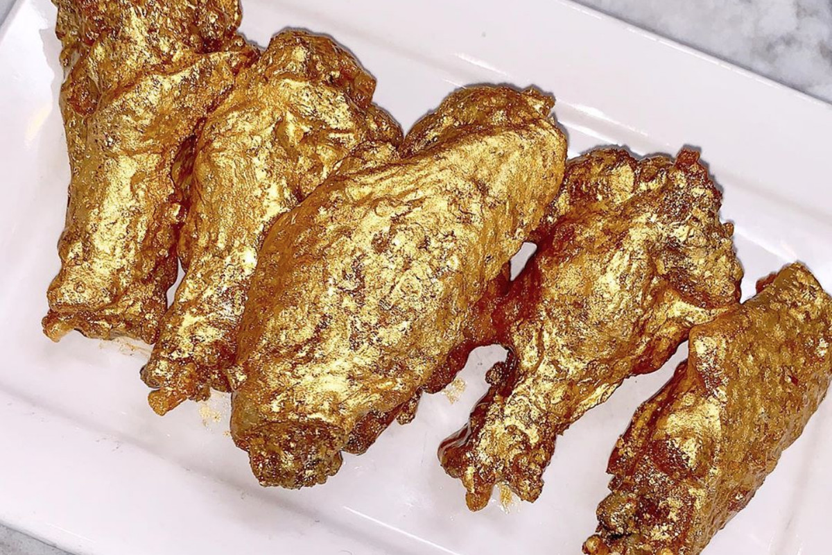 Chicken wings covered in 24-karat gold sauce
