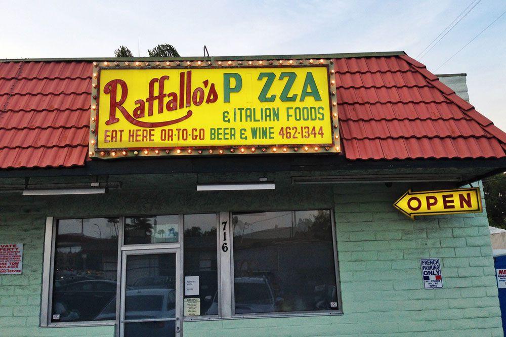 raffallo's pizza/trois mec