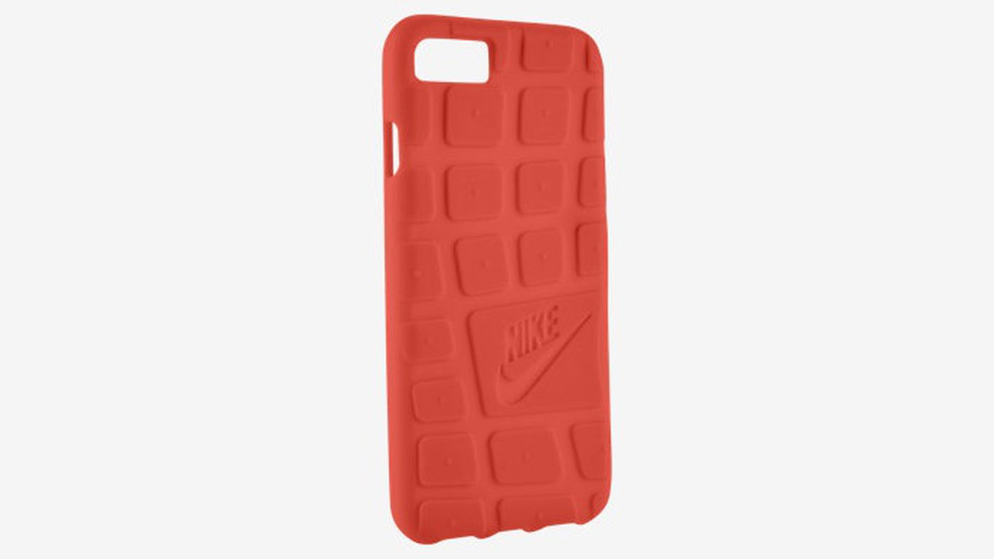 reputable site 7846c 080cd Nike's new iPhone 7 cases feature the soles of Air Force 1 and Roshe ...