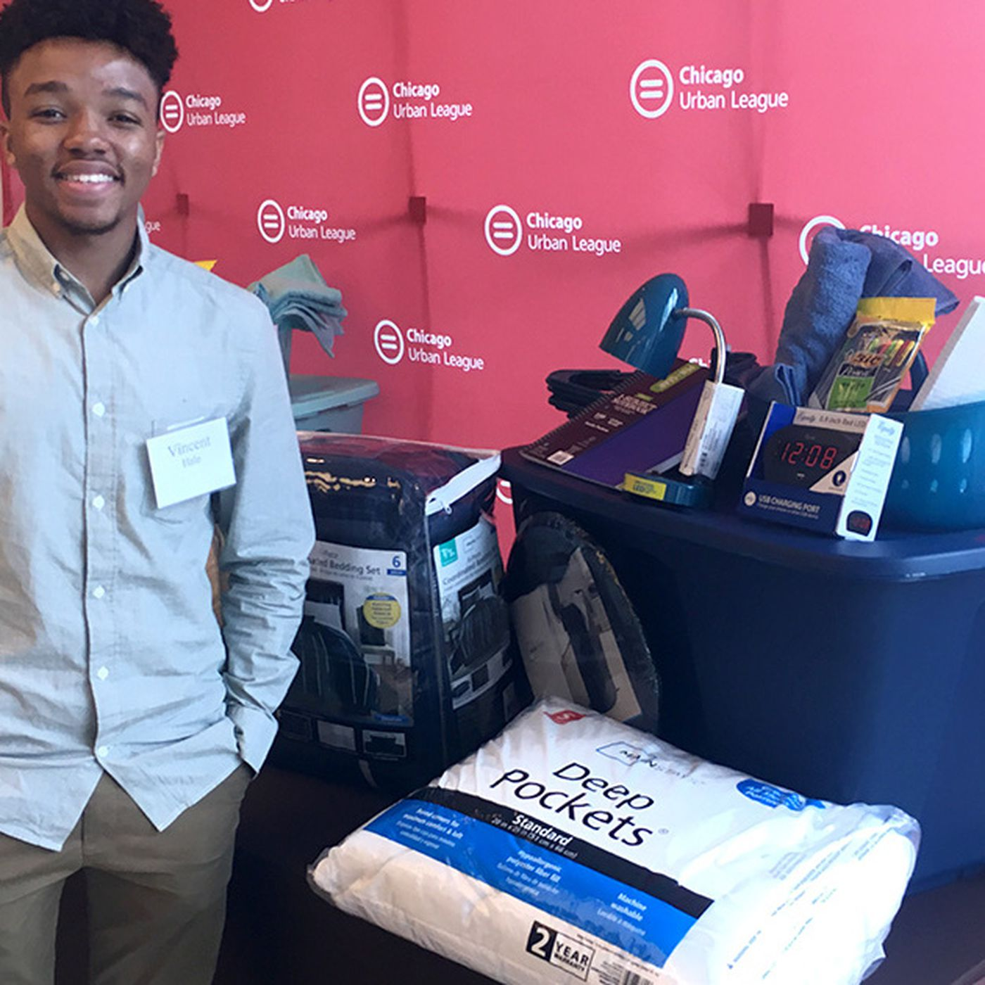Trunk Party Gives 60 Chicago Students College Essentials