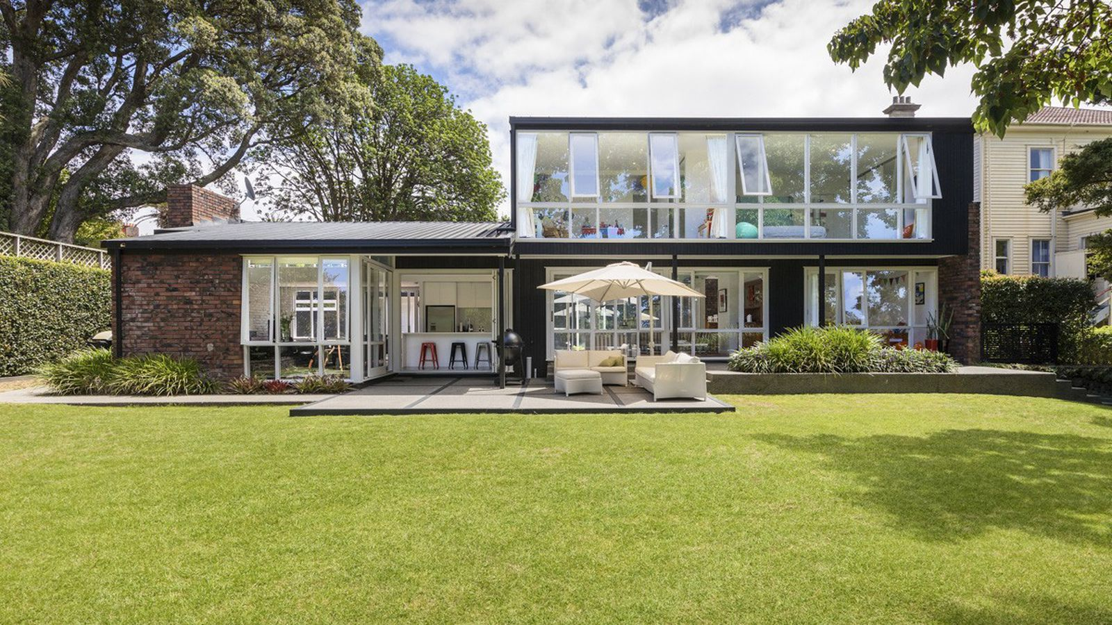 Nab This Lovingly Renovated Midcentury Home In New Zealand