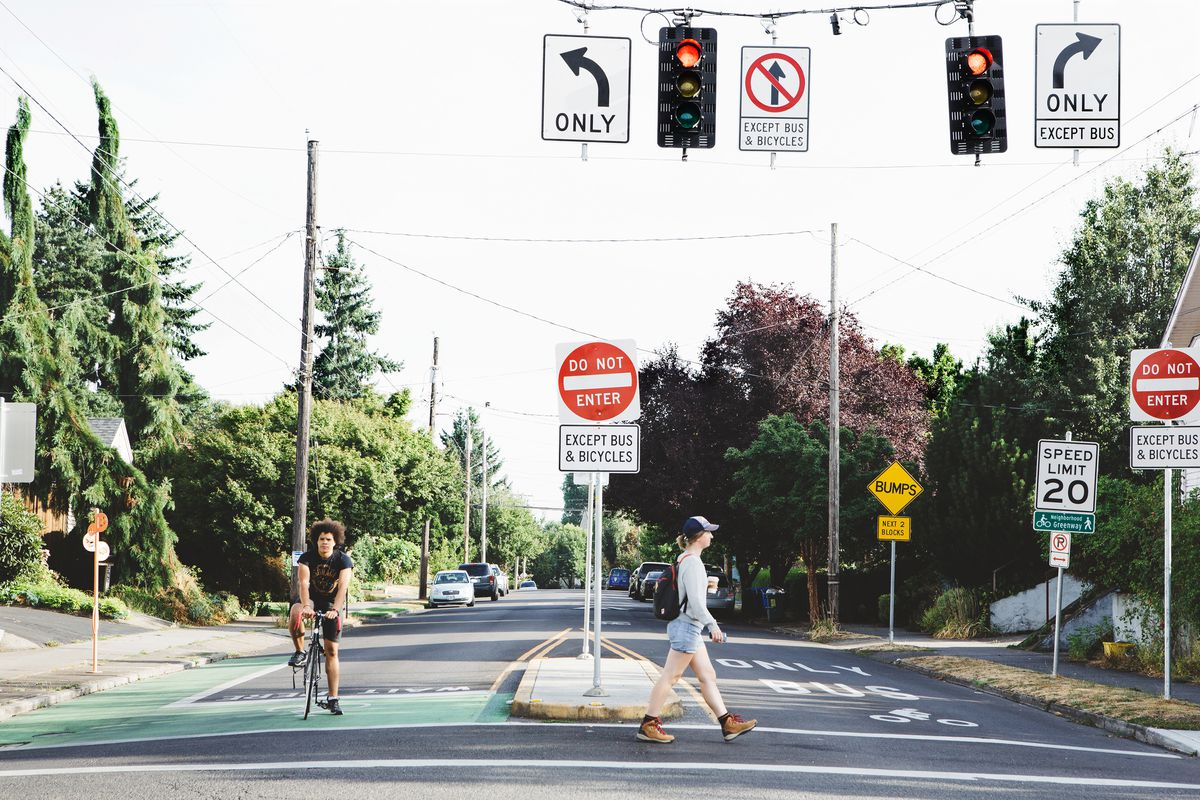 Pedestrian deaths continue to spike nationally
