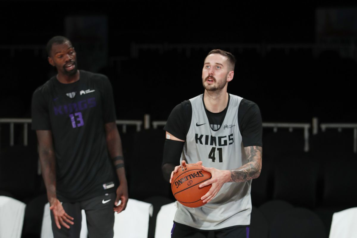 Sacramento Kings waive Hollis Thompson and Tyler Ulis, keep Tyler Lydon