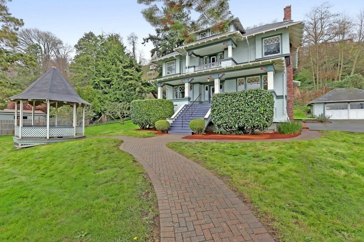 The Satterlee House in West Seattle, built in 1910.