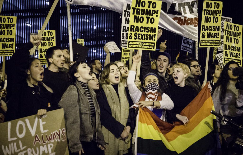 Protesters outside Trump Tower in Chicago on Nov. 9, 2016. | Santiago Covarrubias/Sun-Times