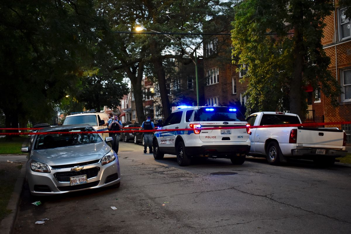 Girl, 17, among 2 wounded in Humboldt Park shooting