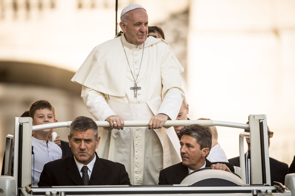 Church Traditionalists Call For Pope Francis's Resignation