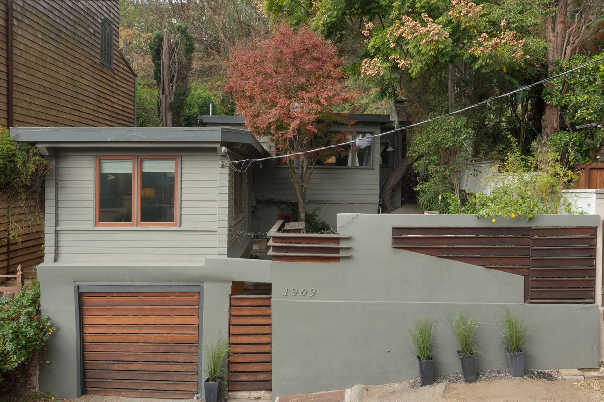 Modernized 1920s bungalow in laurel canyon asking 1 1m for Canyon house