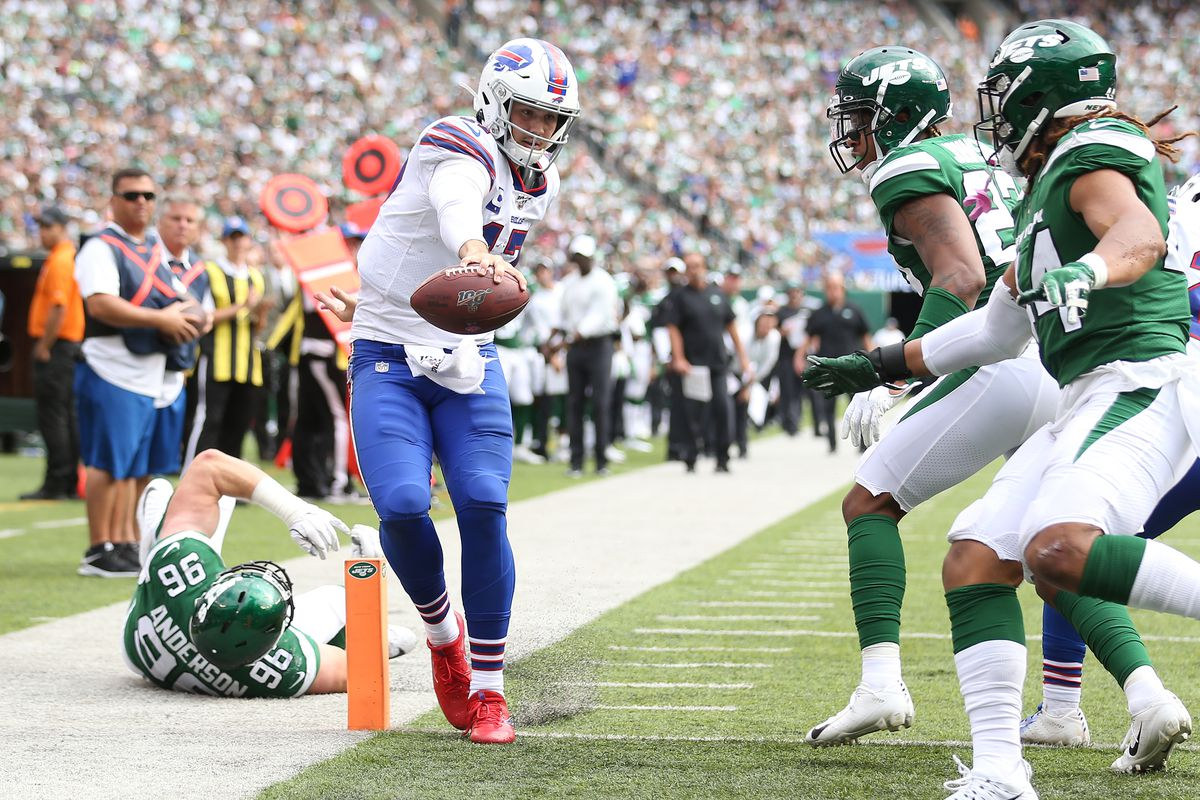 Quarterback Josh Allen of the Buffalo Bills scrambles for a touchdown against the New York Jets during the fourth quarter at MetLife Stadium on September 08, 2019 in East Rutherford, New Jersey.