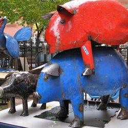 Three little piggys.