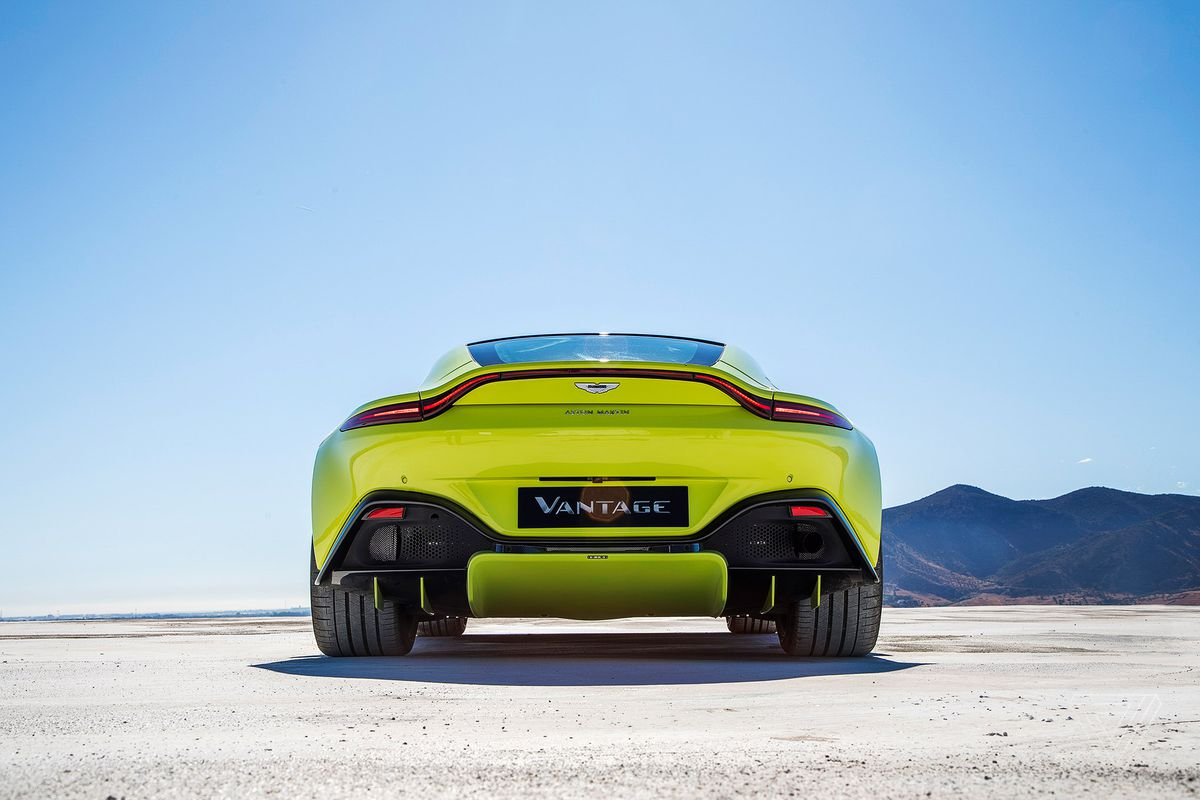 Aston Martin shows off a new Vantage - The Verge