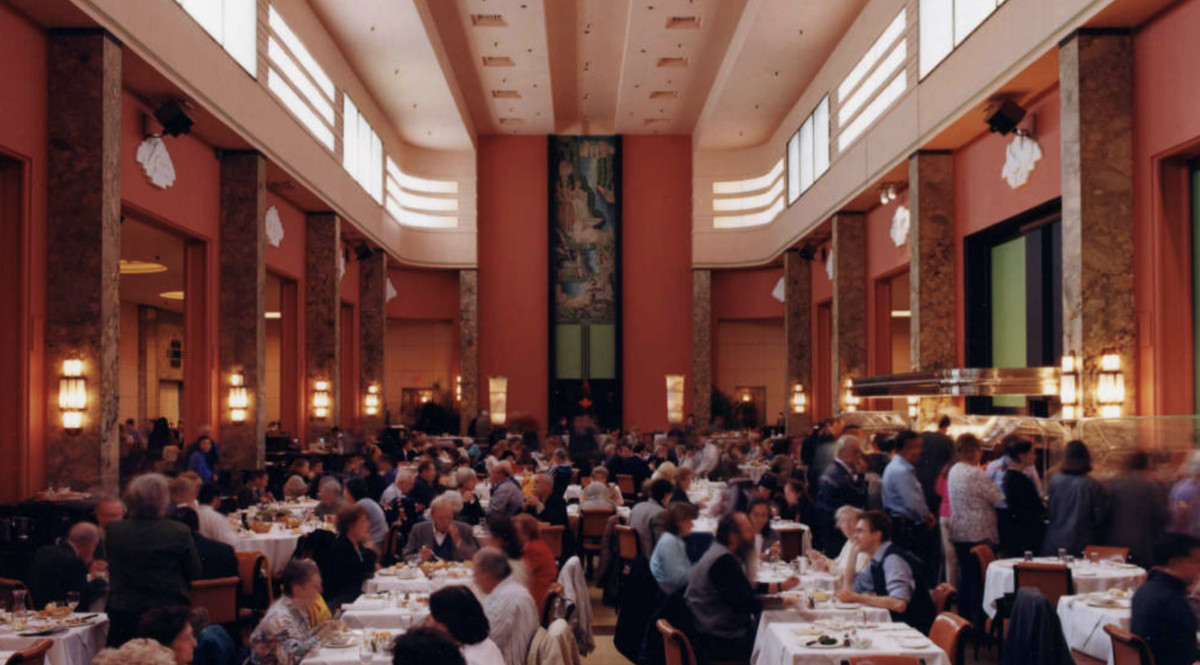A vintage photo of the 9th floor Eaton's dining room full of customers.