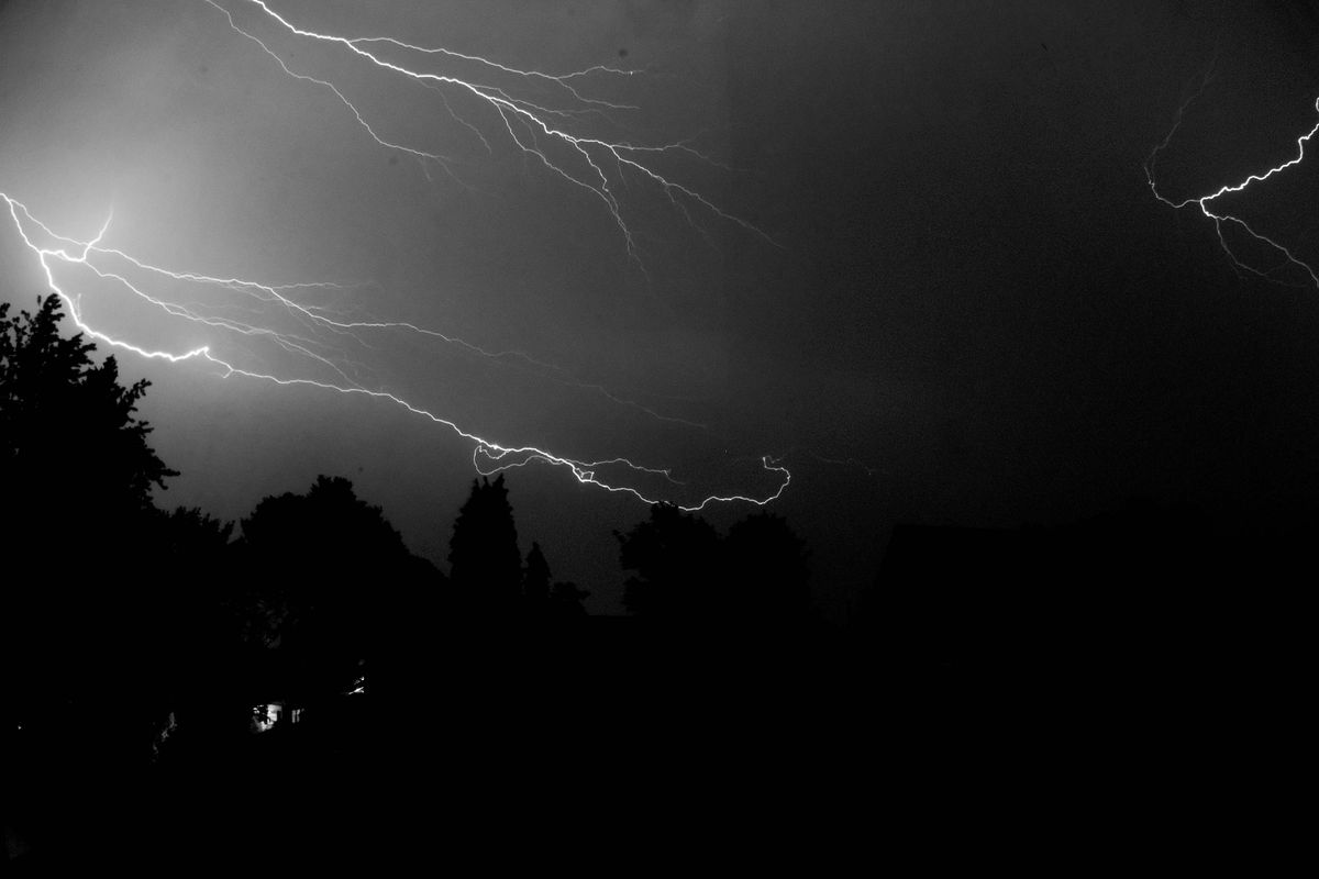 thursday s storm included 2500 lightning strikes curbed seattle