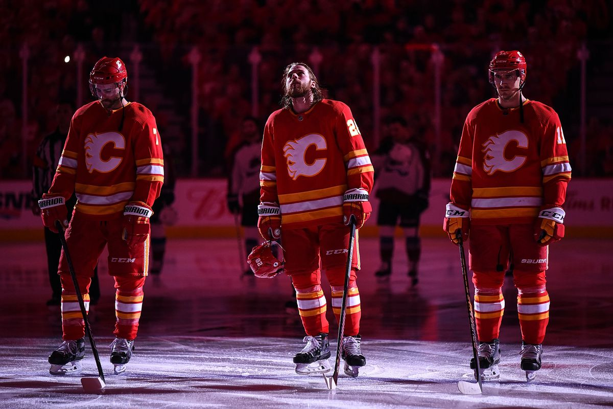 NHL: APR 19 Stanley Cup Playoffs First Round - Avalanche at Flames