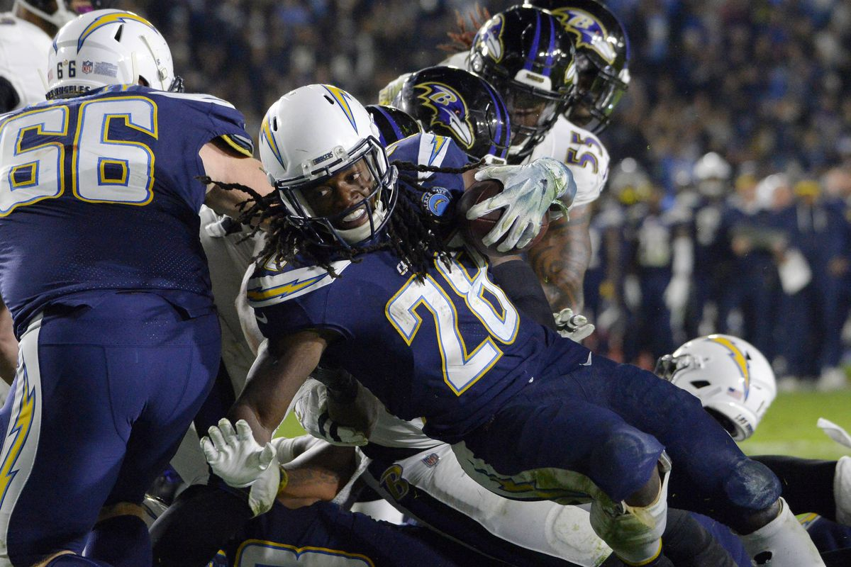 4a1dac86d5e Los Angeles Chargers Daily Links: Should Melvin Gordon remain a bell cow  back?