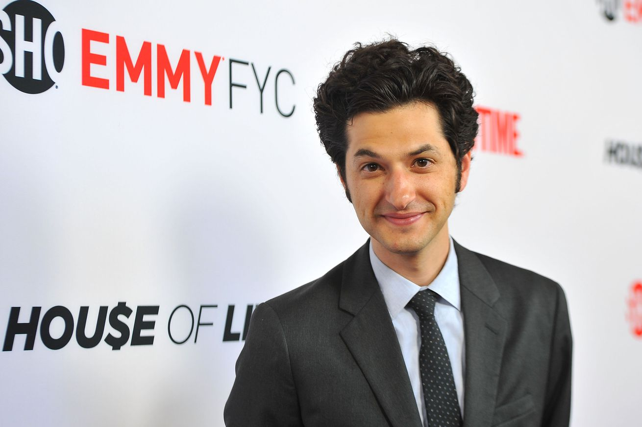 ben schwartz will star as sonic the hedgehog in upcoming movie