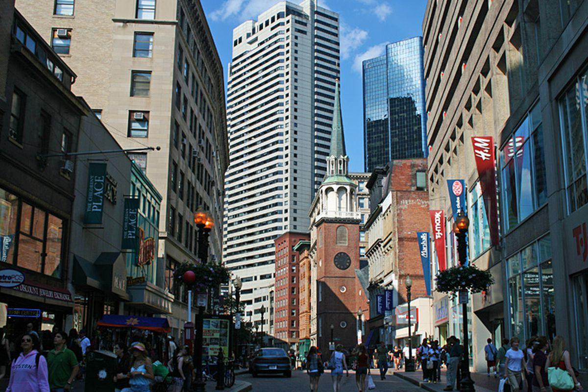 """Image via <a href=""""http://www.city-data.com/forum/city-vs-city/1157161-more-urban-la-sf-dc-philly-7.html"""">City Data</a>"""