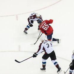 Burakovsky Tries to Get Through Avalanche