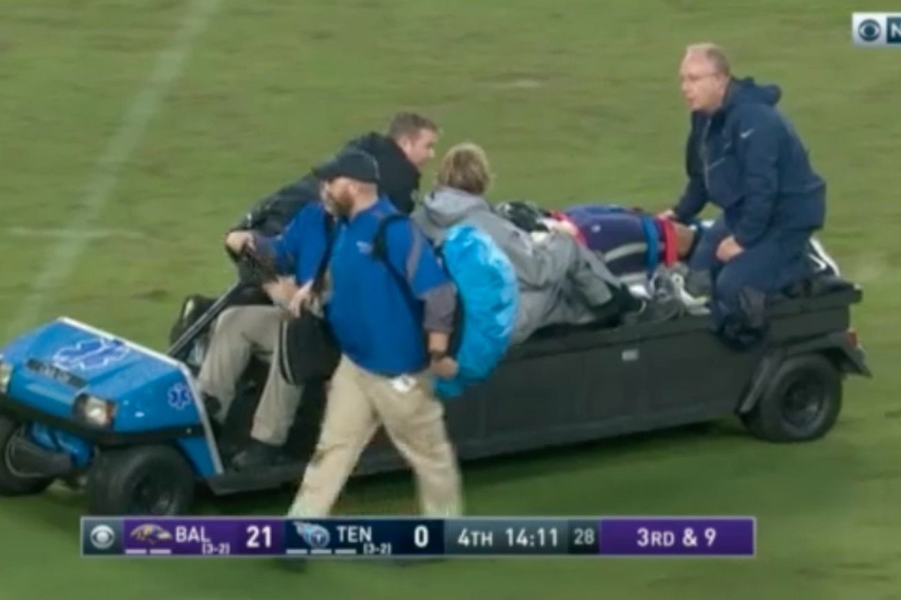 Ravens' Alex Lewis released from hospital after being carted off