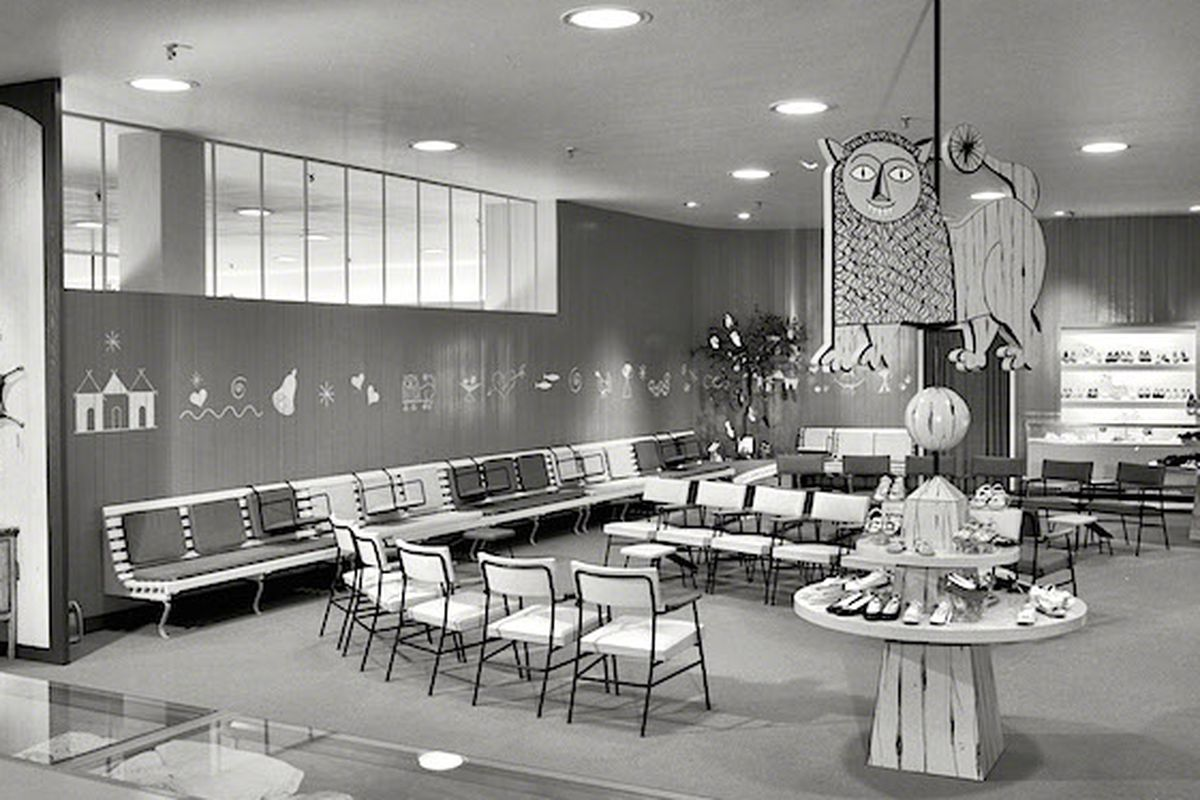 """Inside a Lord &amp; Taylor store in the '50s. Photo via <a href=""""http://www.collectorsweekly.com/articles/how-efficiency-killed-the-department-store/"""">Collectors Weekly</a>."""