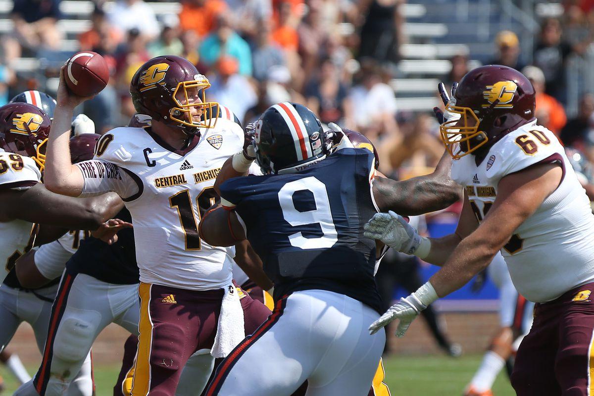 NCAA Football: Central Michigan at Virginia