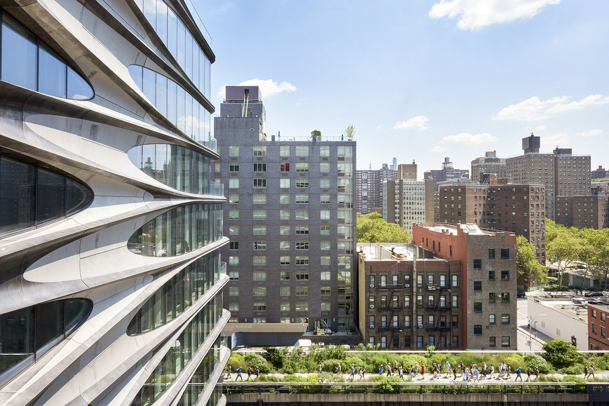 Zaha hadid s curved west chelsea condo gets its first for Zaha hadid new york apartment