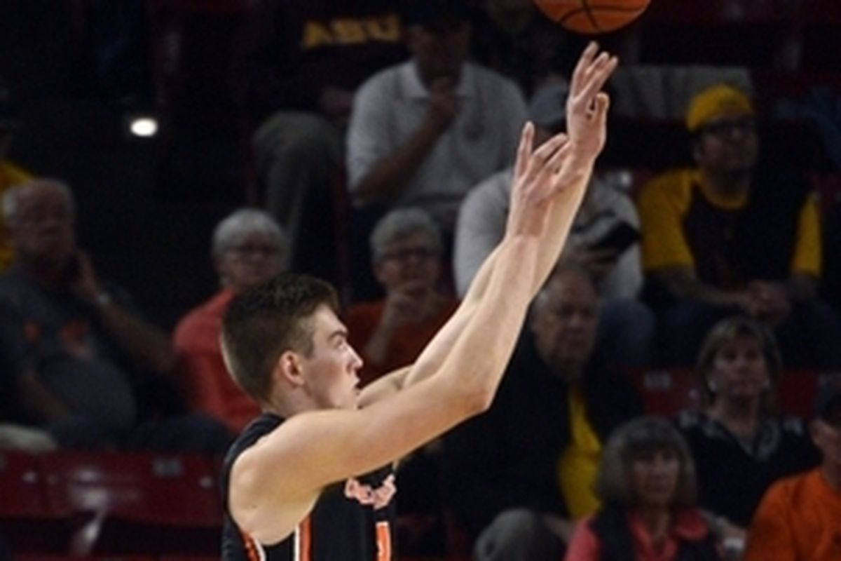Tres Tinkle and the rest of the Beavers will try again to get a road win tonight in Tucson.