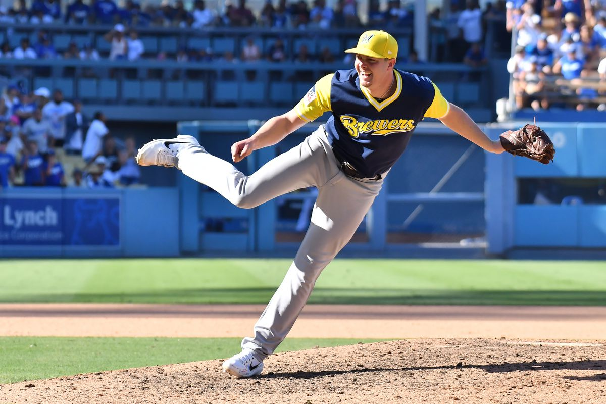 MLB: AUG 27 Brewers at Dodgers