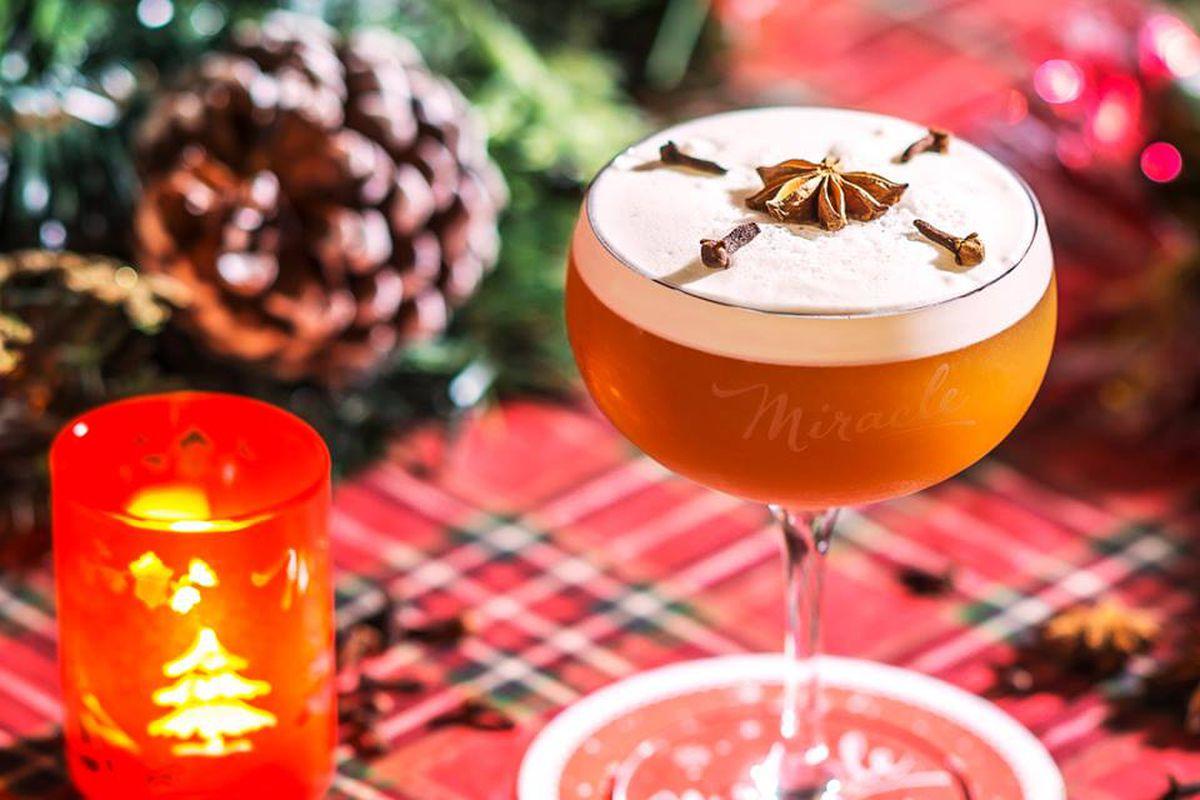 Pop-Up Christmas Bar Miracle Will Bring Holiday Cheer to Austin ...