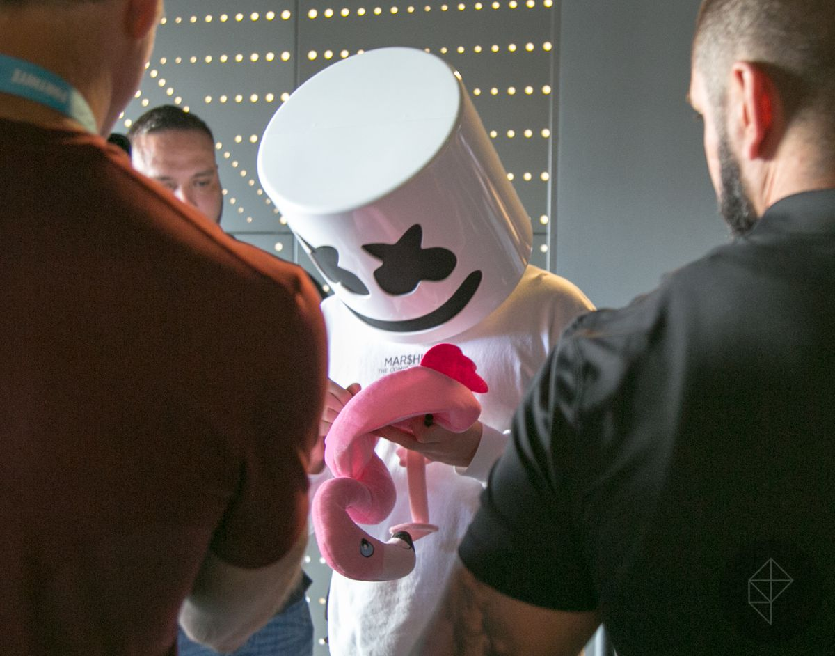 Fortnite Pro-Am - Marshmello signing an autograph