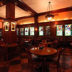 The Berghoff may not have the same place in Chicago today as it has in decades past, but this being one of the city's oldest restaurants (it opened in 1898!) it needs to be recognized. The room has many of the same touches it did 114 years ago, like the s