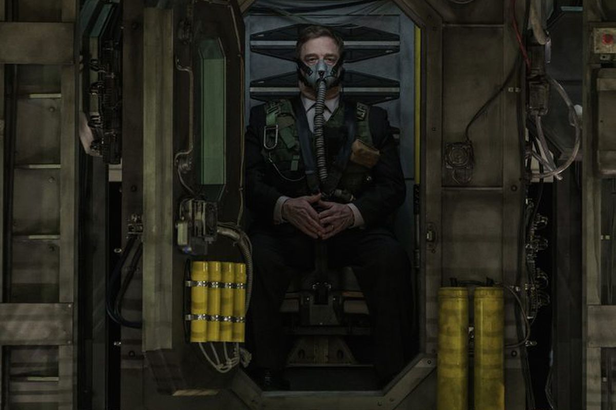 Captive State Review Aliens Invade Chicago In A Sci Fi
