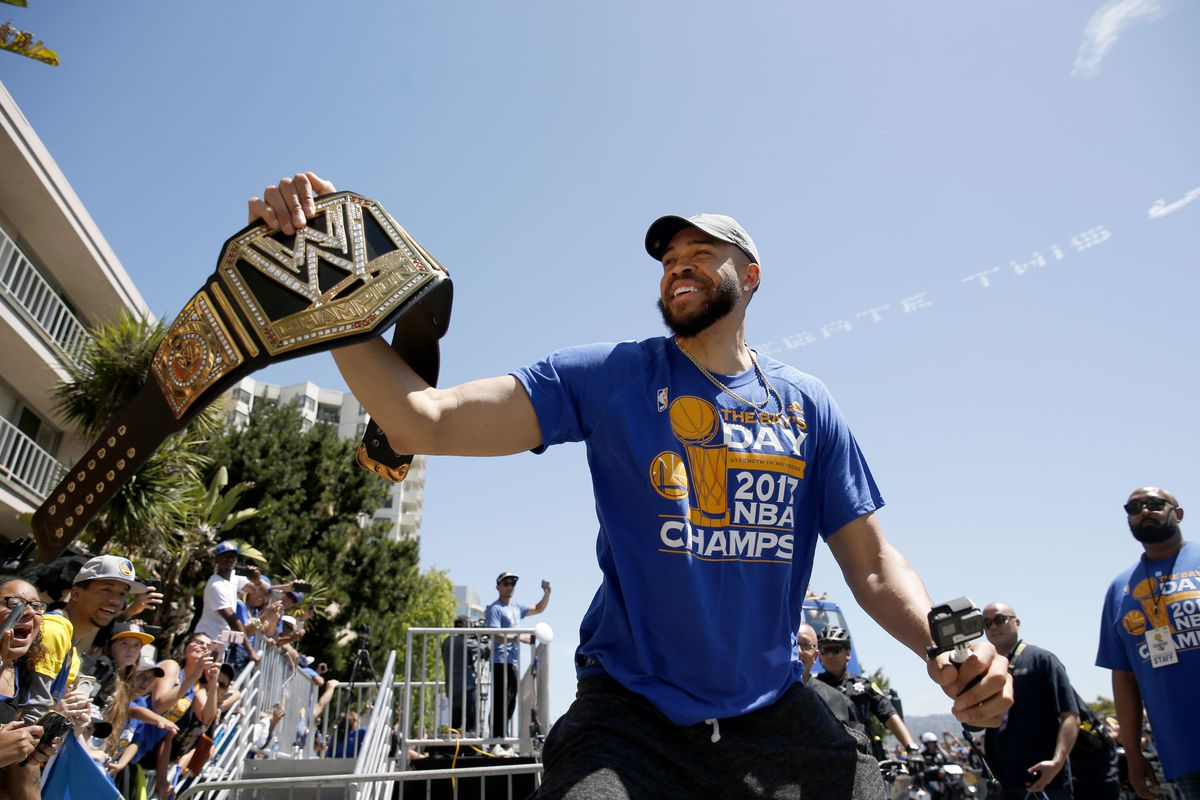 Golden State Warriors re-sign Javale McGee