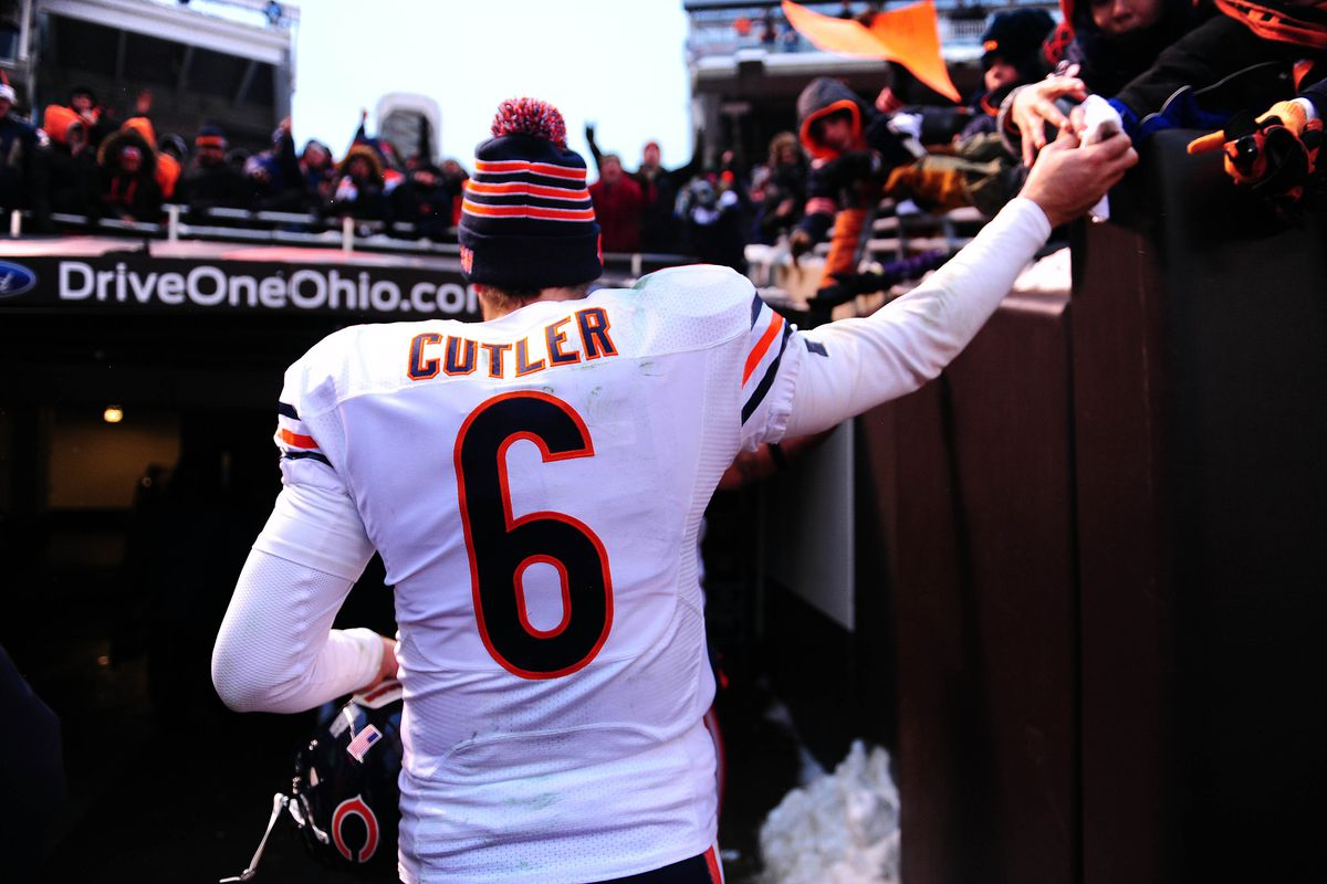 Jay Cutler Signs 7 Year Contract With Bears