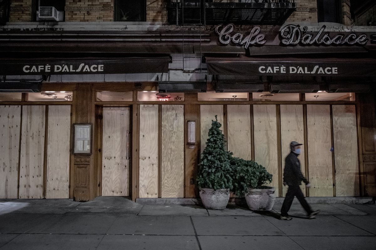 Cafe D'Alsace, boarded up