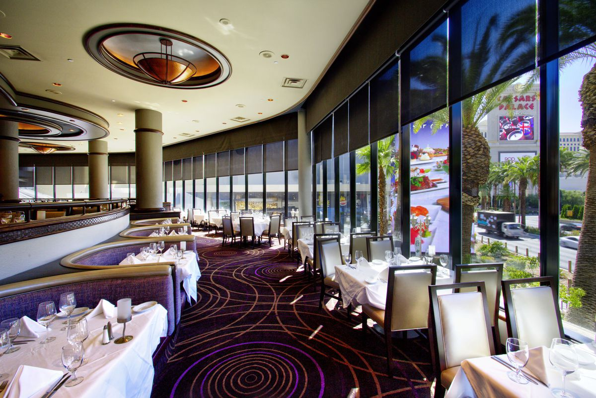 The dining room at Ruth's Chris