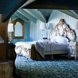 """""""Upon the recommendation of multiple friends, I stayed at the iconic <a href=""""http://www.madonnainn.com/"""">Madonna Inn</a> in San Luis Obispo and was treated to a one-of-a-kind experience. All 110 guestrooms are individually themed and decorated! I almost"""