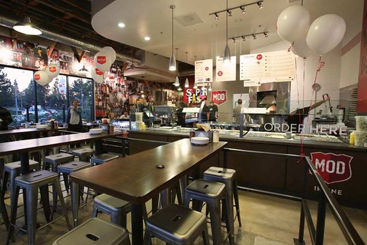 A Mod Pizza location in Irvine, CA.