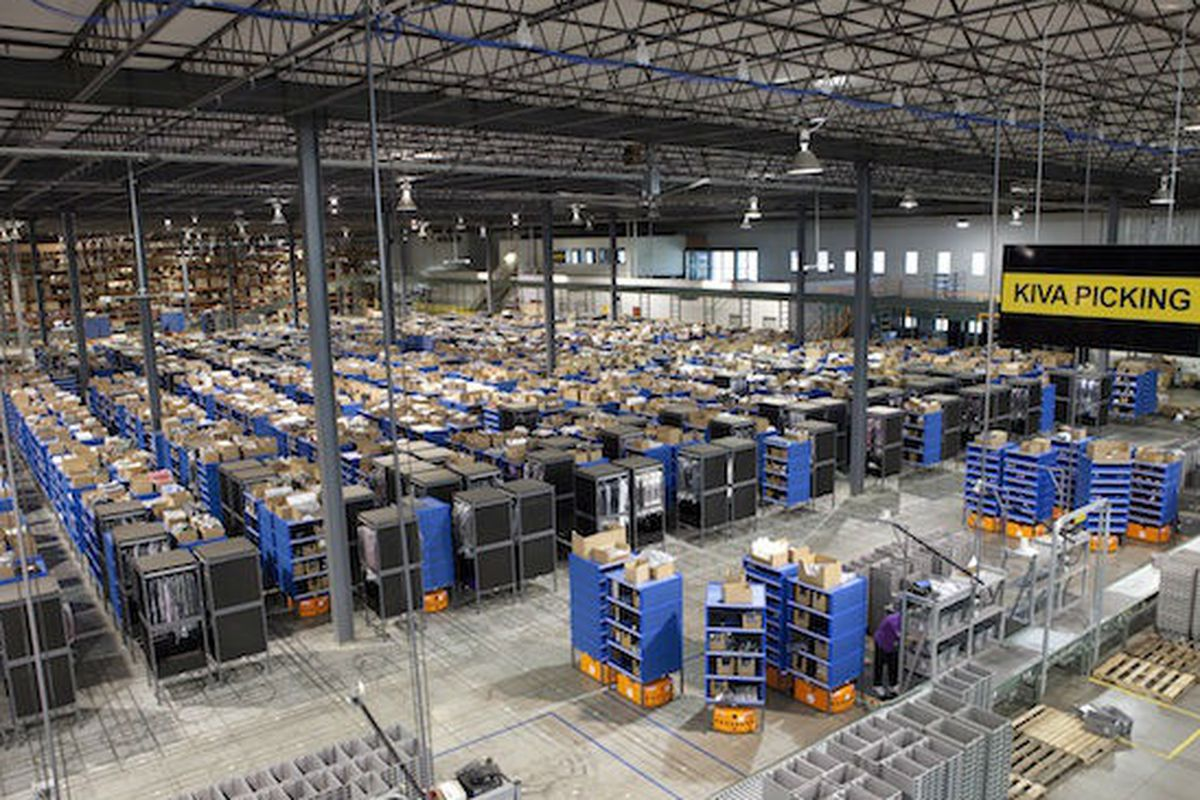 "Gilt's distribution center in Kentucky. Image <a href=""http://kejiblog.appspot.com/5894428-.html"">via</a>."
