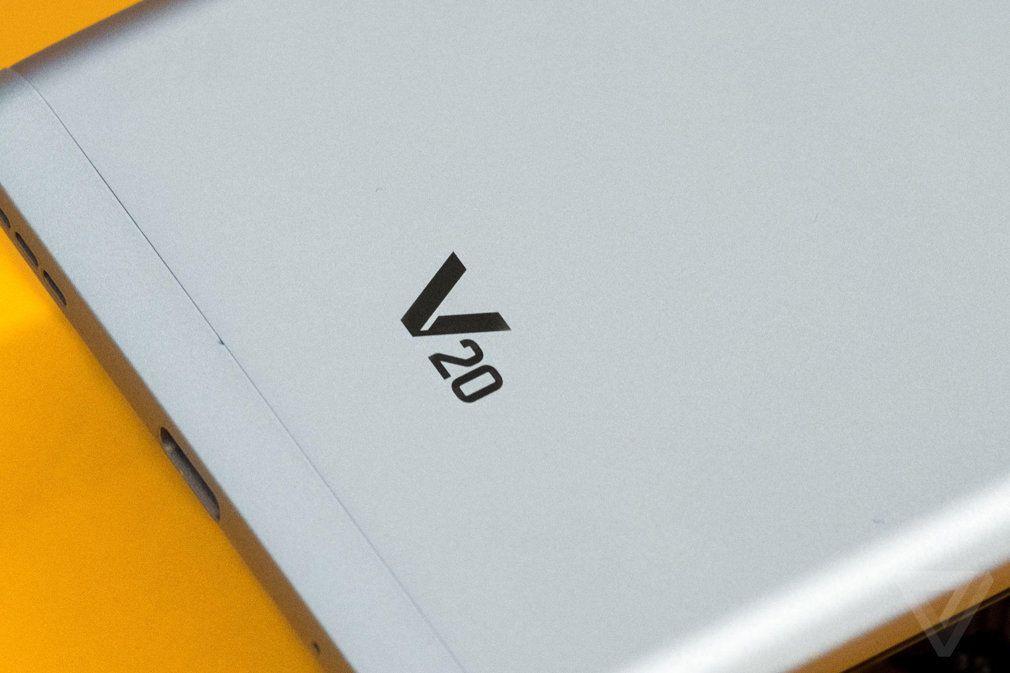 LG V20 review: lots of features, less refinement | The Verge