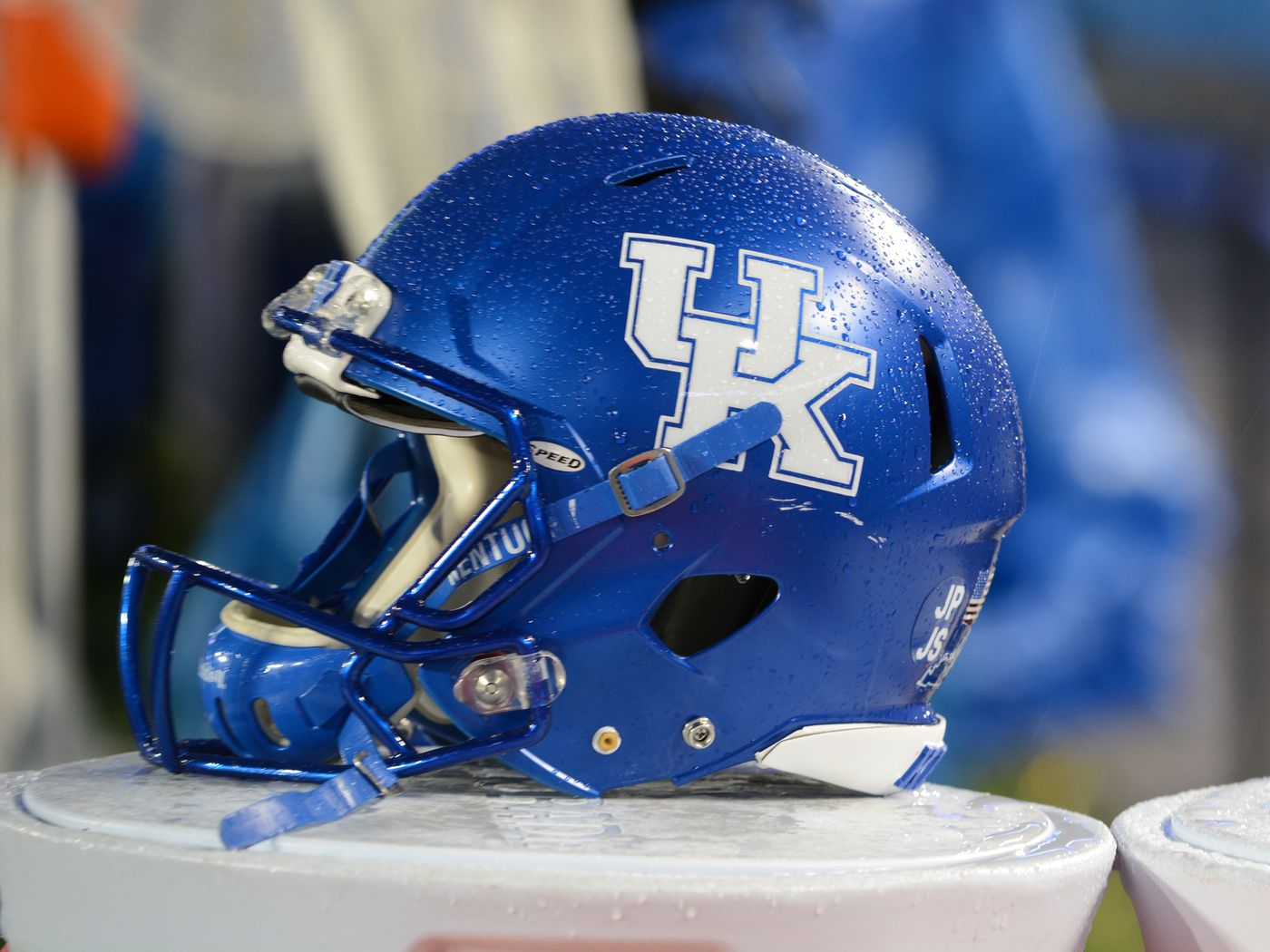 Kentucky Football Commit S Crazy Catch Makes Sportscenter A Sea Of Blue