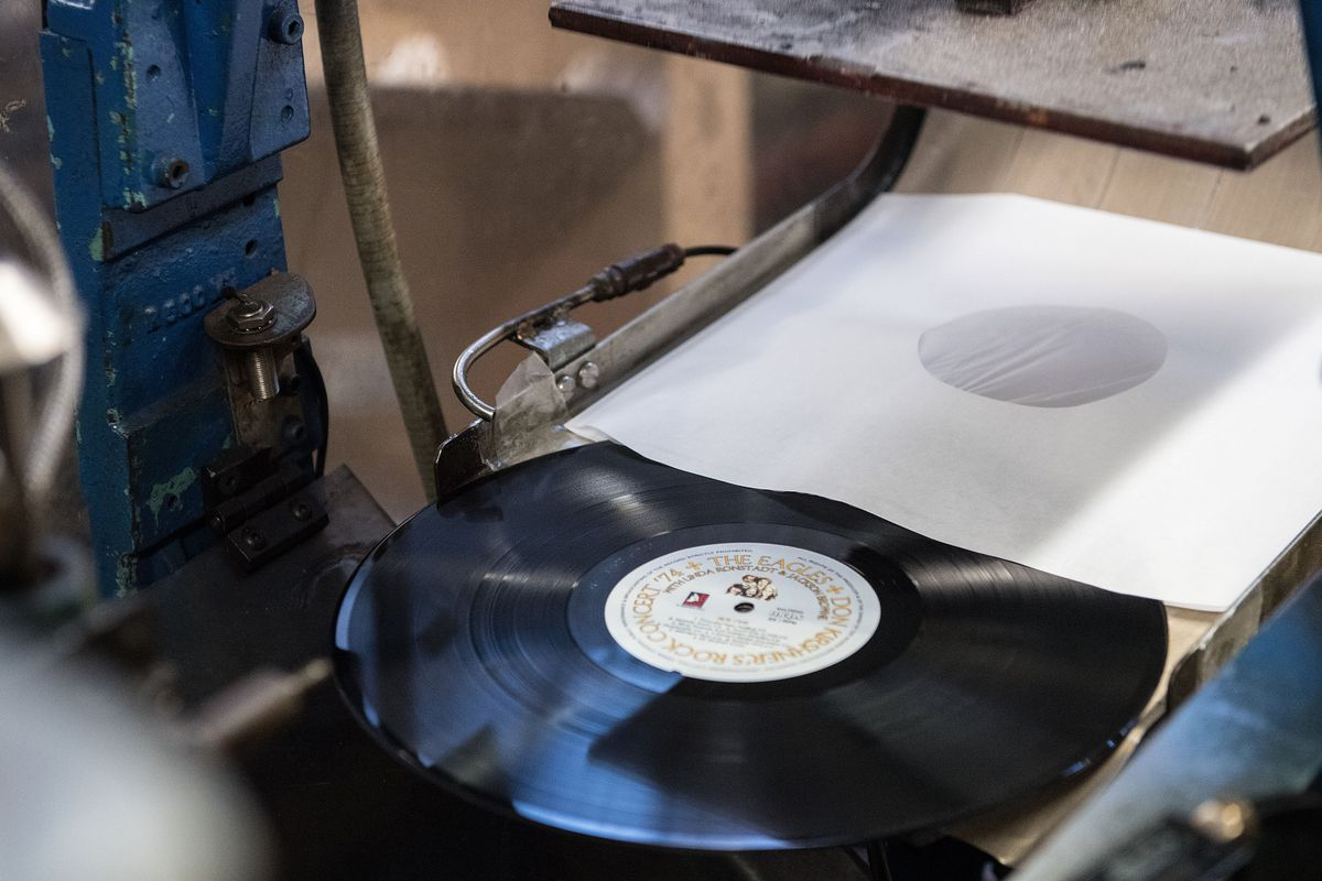 Sony to start vinyl record production again