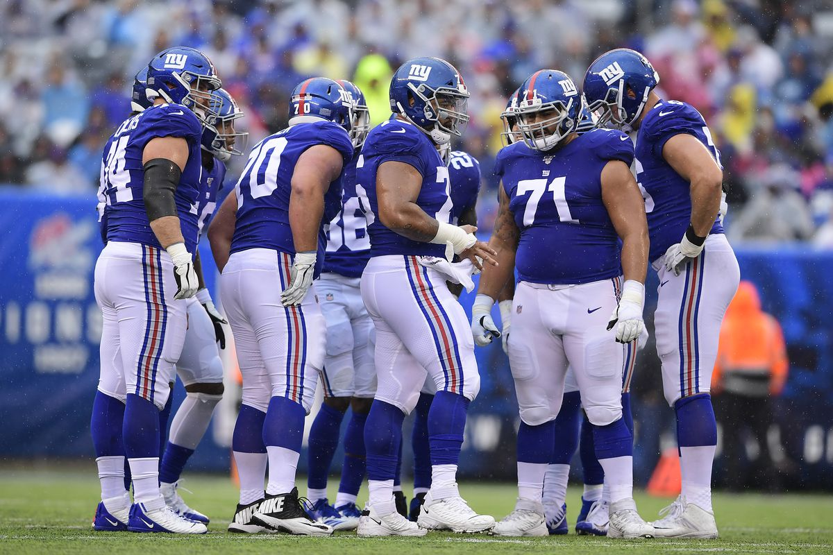 The New York Giants huddle prior to the play against the Arizona Cardinals at MetLife Stadium on October 20, 2019 in East Rutherford, New Jersey.