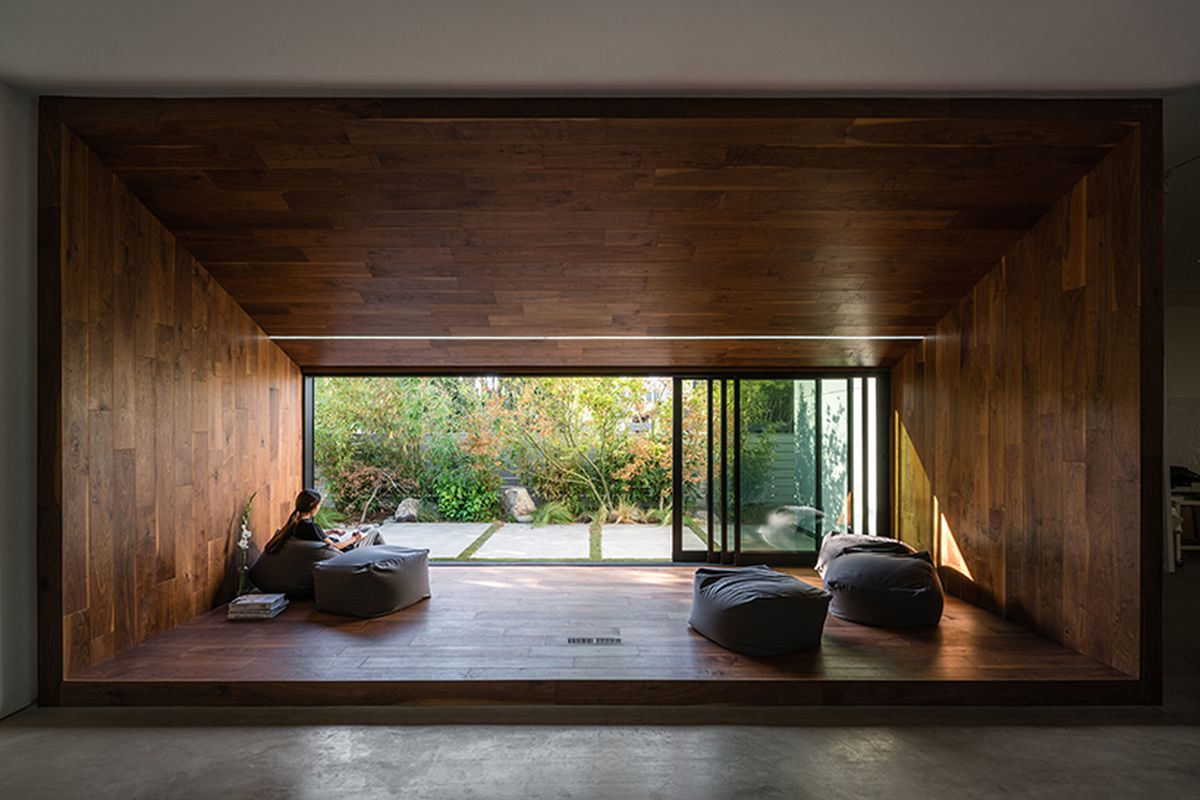 70s Frank Gehry Home Gets A Minimalist Makeover Curbed