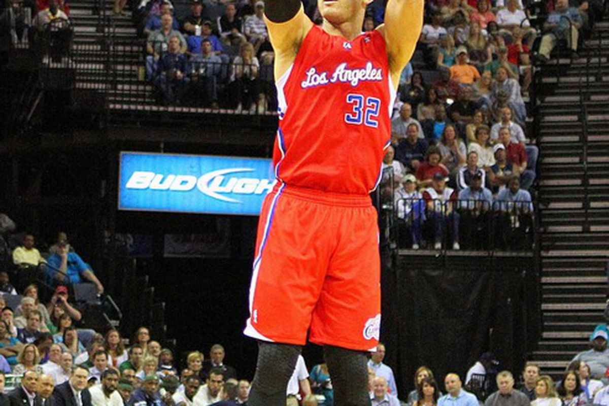 Apr 9, 2012; Memphis, TN, USA;  Los Angeles Clippers power forward Blake Griffin (32) shoots the ball during the first half against the Memphis Grizzlies at the FedEx Forum.  Mandatory Credit: Spruce Derden-US PRESSWIRE