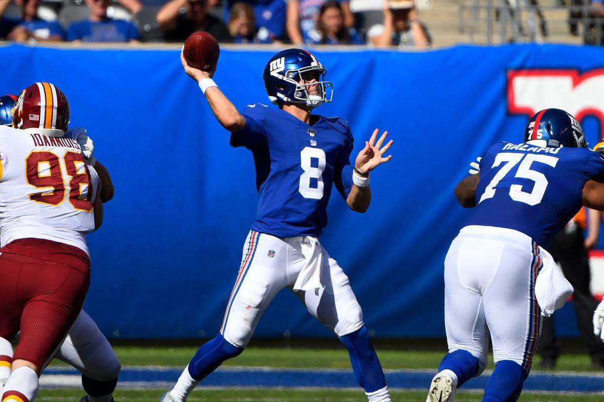 New York Giants quarterback Daniel Jones throws the ball in the second half against Washington at MetLife Stadium.